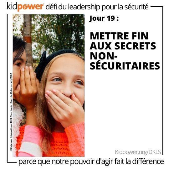 Petite fille chuchotant à l'oreille d'un ami. Texte: jour 19: Mettre fin aux secrets non-sécuritaires #KidpowerDKSL
